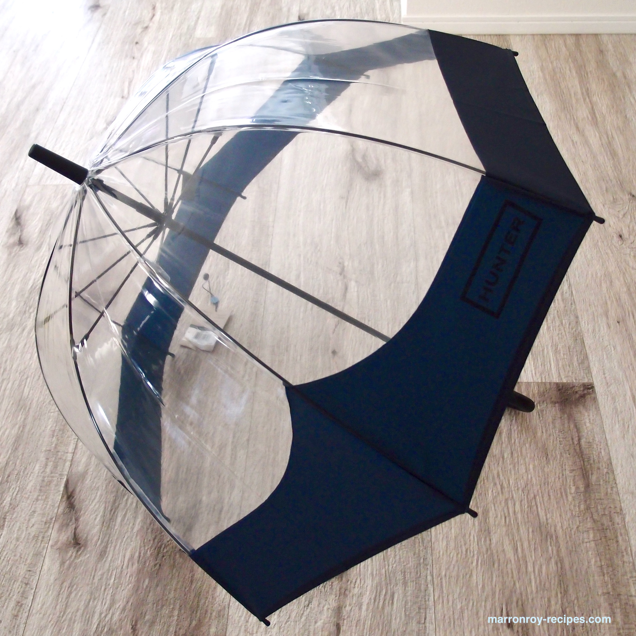 ハンター傘広げたところ